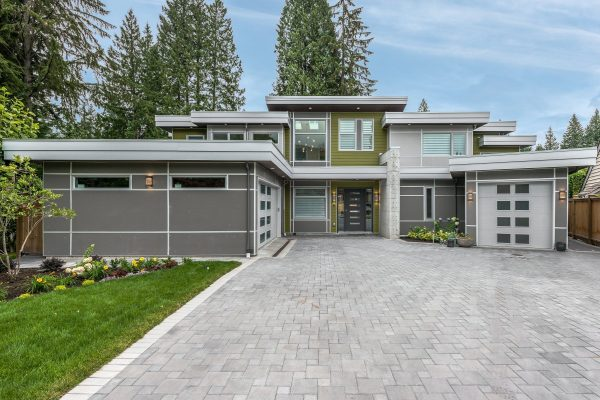 custom home build vancouver electrician contractor