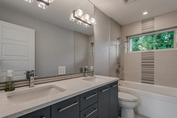 Custom Home New Build North Vancouver - Vancouver Electrician Contractor - bathroom