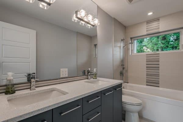 Custom Home New Build North Vancouver - Vancouver Electrician Contractor - bathroom